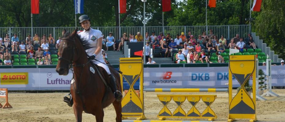 Bronzérmes a női csapat! Kovács Sarolta egyéniben a hatodik helyen végzett!