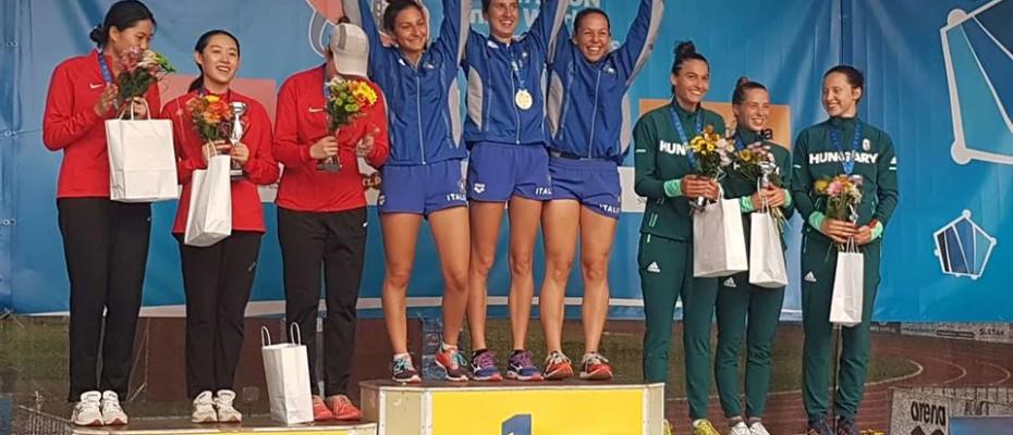 Junior világbajnoki bronzérmes a női csapat