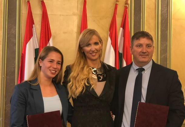 Miniszteri elismerő oklevelet kapott Gulyás Michelle és Szloboda József